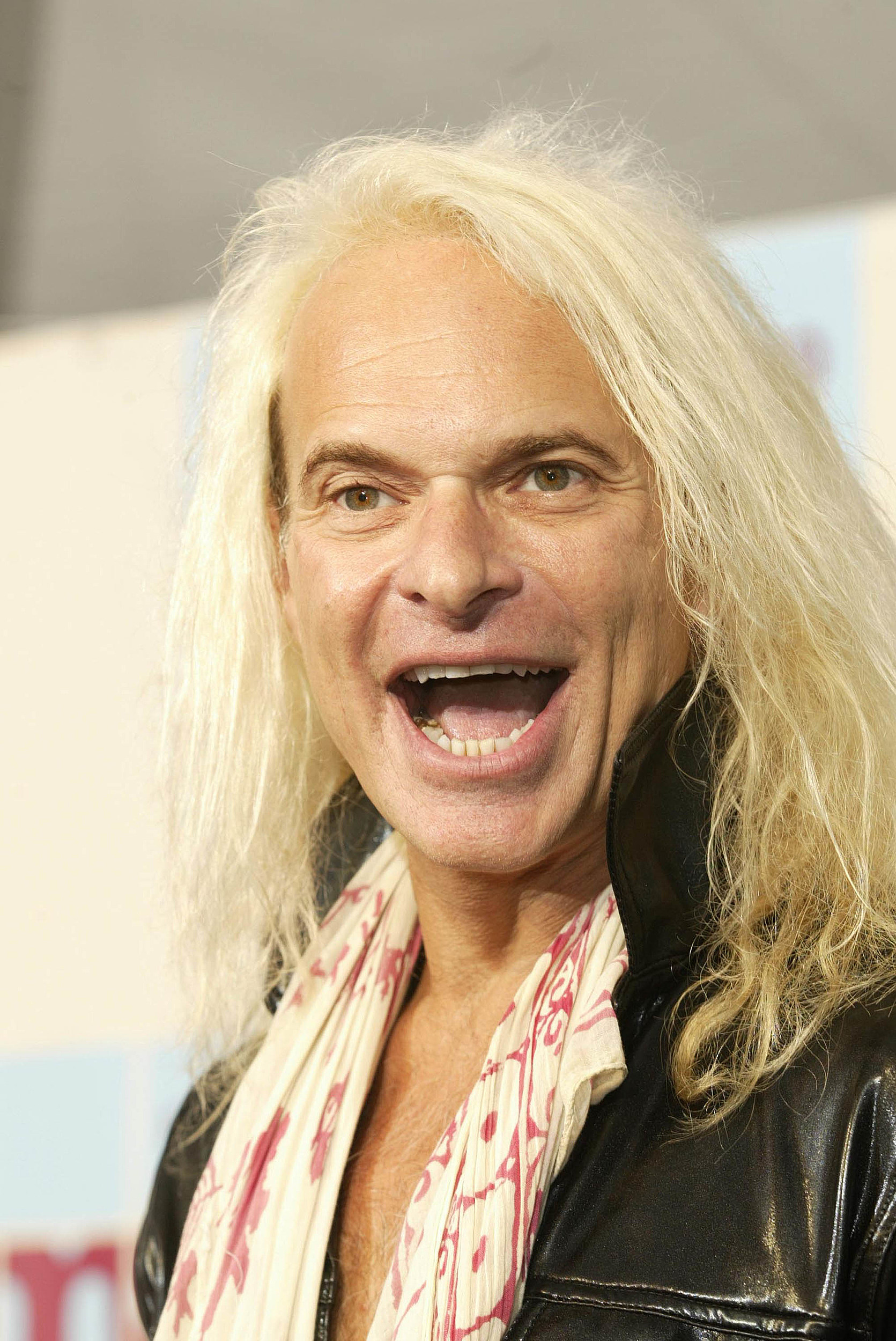 10 Times David Lee Roth Was Actually Really Really Cool PHOTOS