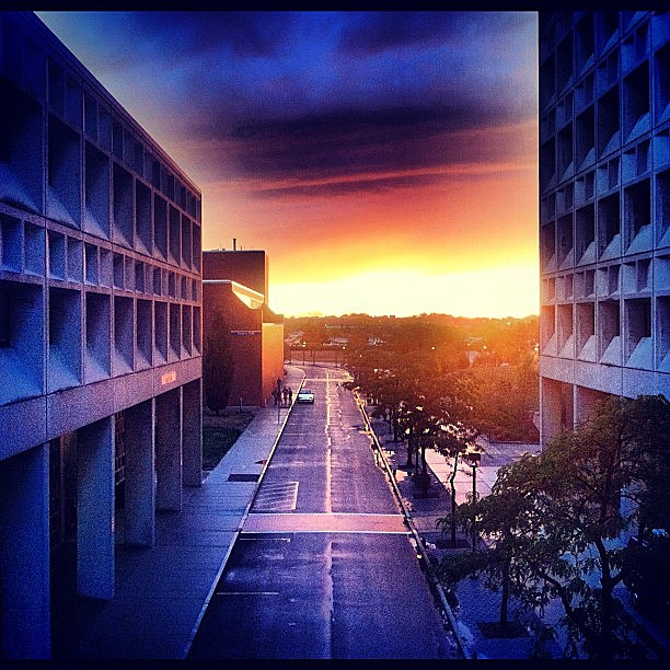 beautiful #sunset at the #university at #buffalo. #buffalove (@andrewjustsaid, Instagram)